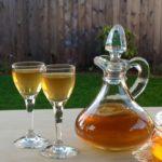 Самогон из меда: Медовая брага с сахаром и без