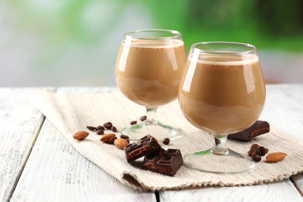 Домашний шоколадный ликер фото