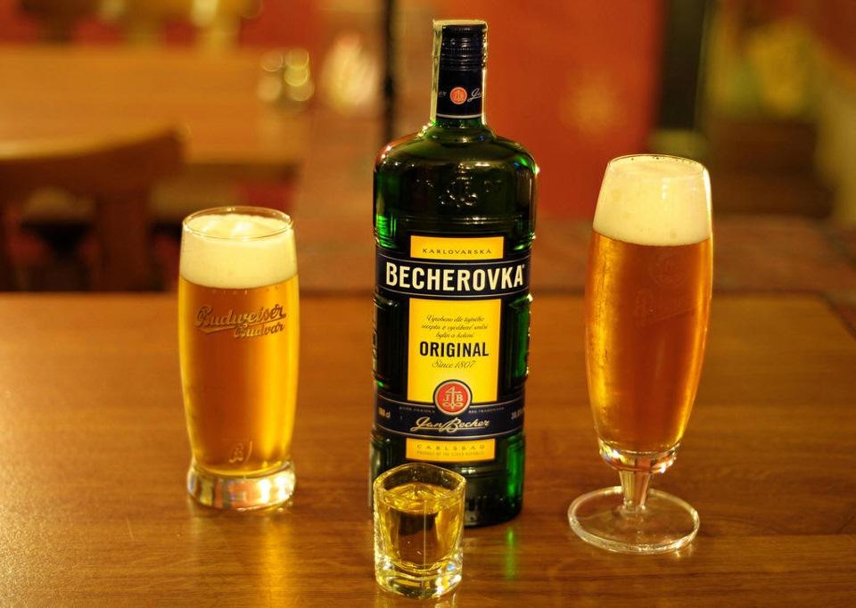 Как и с чем пить Бехеровку