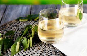 Березовое вино – идеальная основа для приготовления шампанского. Пенный, игристый, с нежным, свежим вкусом и долгоиграющим, цитрусовым послевкусием,...