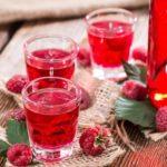 Ликер из малины: 5 рецептов в домашних условиях